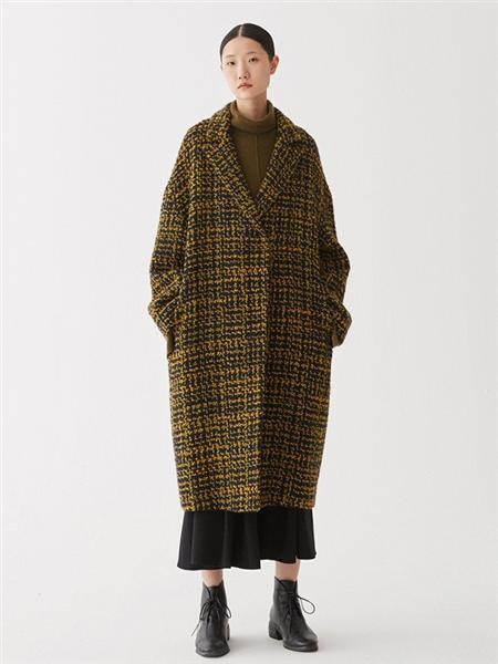 A U M  噢姆女装品牌2020秋冬时尚格子外套