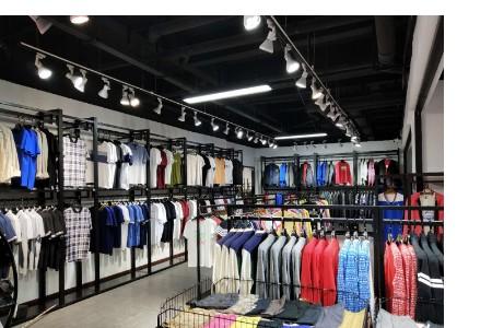 运动品牌折扣店进货渠道特卖场服装便宜货源
