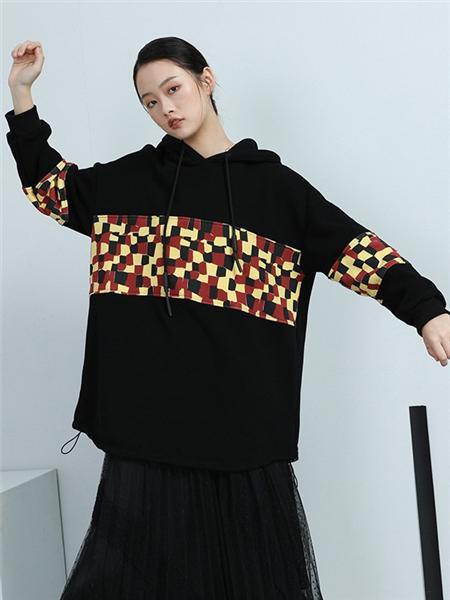 BUKHARA布卡拉女装品牌2020秋冬格子黑色拼接卫衣