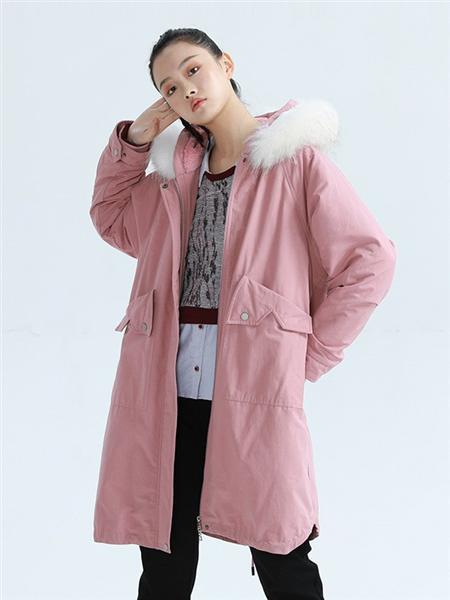 BUKHARA布卡拉女装品牌2020秋冬粉色保暖带帽外套