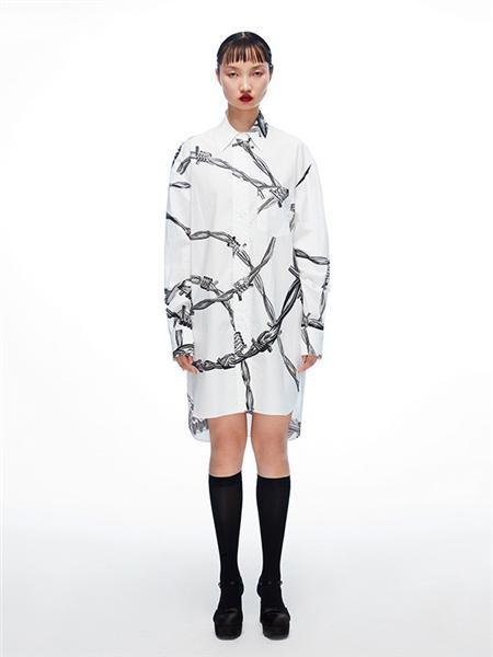 Chictopia女装品牌2020秋冬白色潮流花纹连衣裙