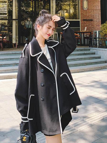 Sandro Tonali女装品牌2020秋季时尚黑色长款外套