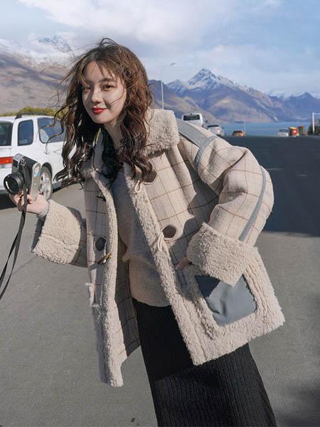 Sandro Tonali女装品牌2020秋季加绒保暖格子外套
