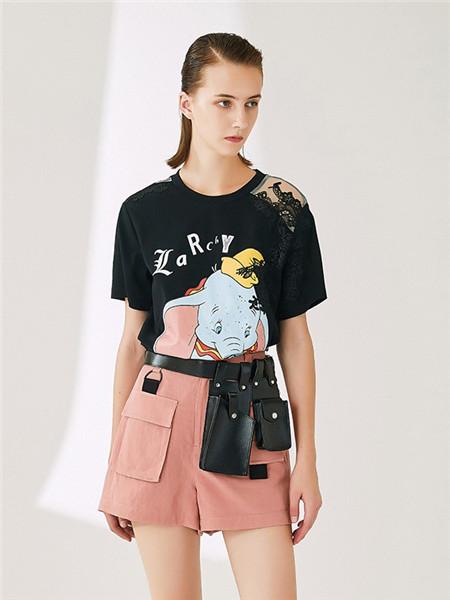 来尔佳昵LARCHY女装品牌2020春夏卡通黑色T恤