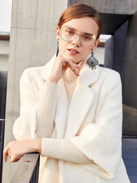 茧构女装品牌2020秋冬白色个性毛呢外套