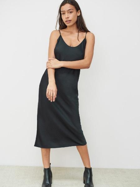 jennikayne国际品牌2020秋季吊带黑色连衣裙