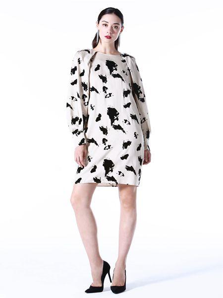Vesper Lynd女装品牌2020秋冬白色印花圆领长袖连衣裙