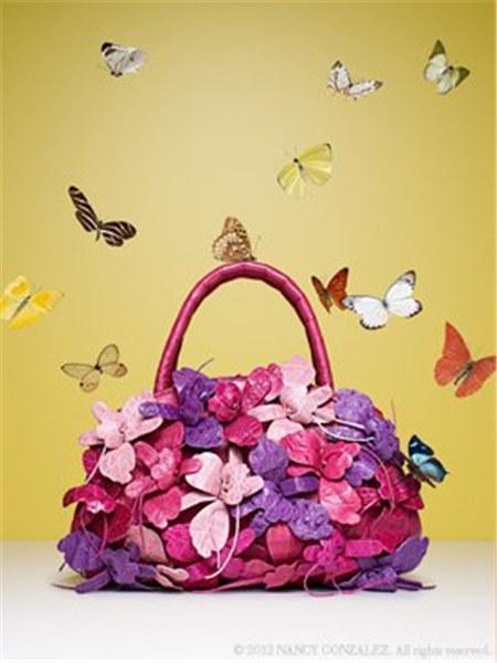 Nancy Gonzalez国际品牌2020秋季蝴蝶花朵手提袋