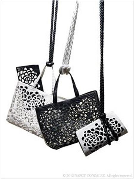 Nancy Gonzalez国际品牌2020秋季镂空纯色手袋