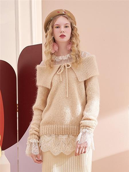 安所女装品牌2020秋季露肩条纹米色毛衣