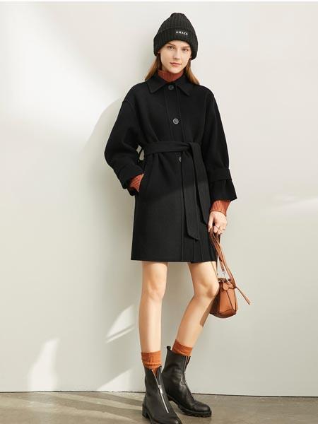 爱依莲女装品牌2020秋冬黑色束腰网红外套