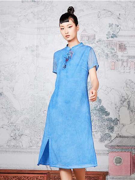 指间沙女装品牌2020春夏蓝色民族风连衣裙