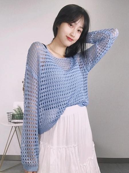 18Fans女装品牌2020秋冬镂空蓝色毛衣