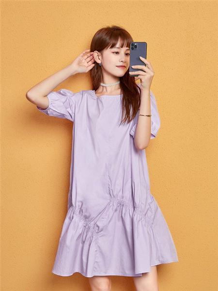 艾森美斯女装品牌2020春夏时尚紫色连衣裙