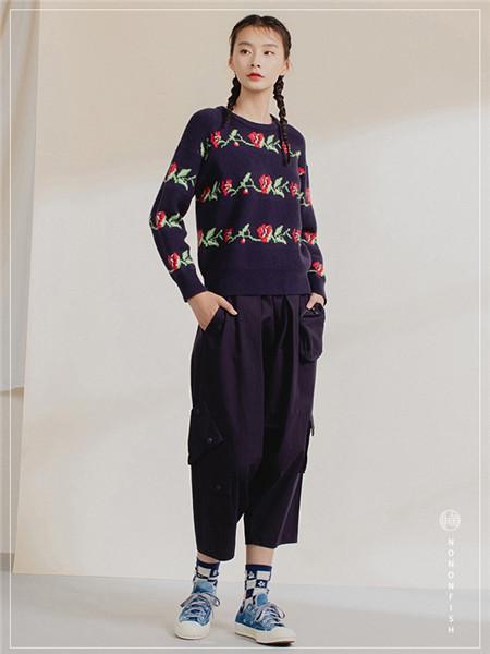 非鱼女装品牌2020秋冬印花圆领长袖针织衫