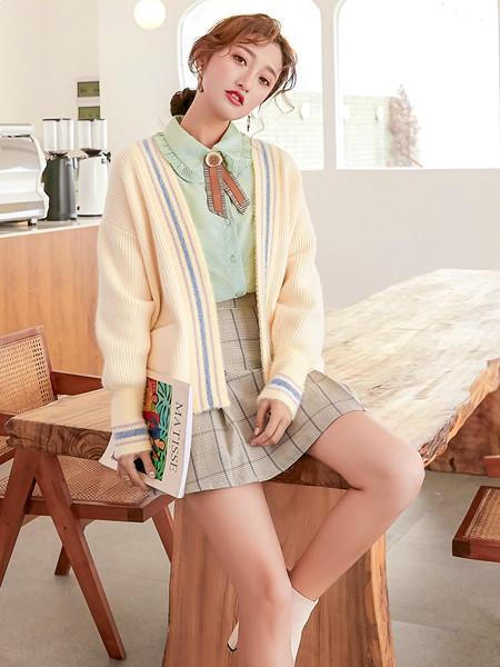 YANG女装品牌2020秋冬淑女米色外套