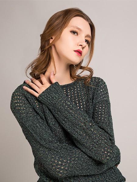 卡榭女装品牌2020秋季灰色圆领透孔毛衣