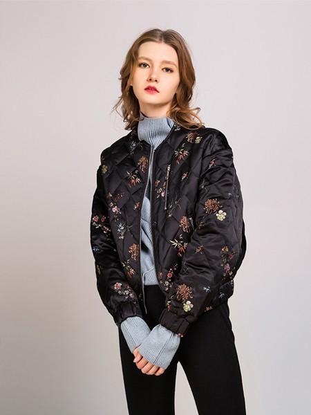 卡榭女装品牌2020秋季印花黑色保暖外套