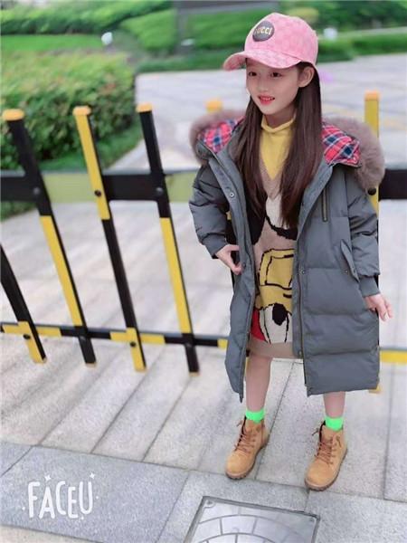 宾果童话童装品牌2020秋冬保暖灰色带帽双面长款外套
