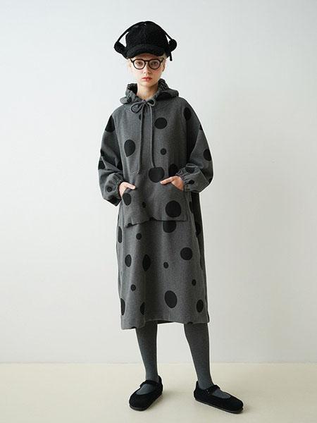 嘿尔闹女装品牌2020秋冬卫衣裙