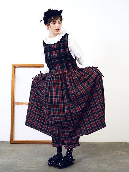 嘿尔闹女装品牌2020秋冬背带裙