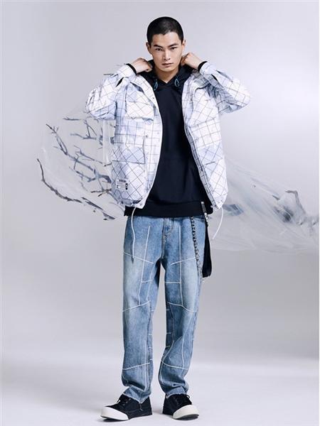 马克华菲男装品牌2020秋冬潮流白色长袖外套