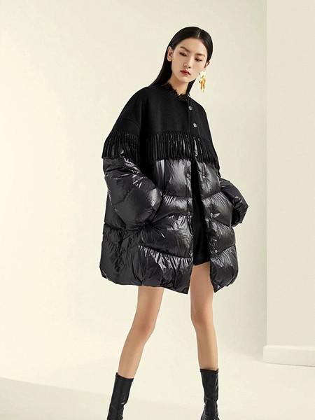 维伊女装品牌2020秋季黑色长款羽绒服
