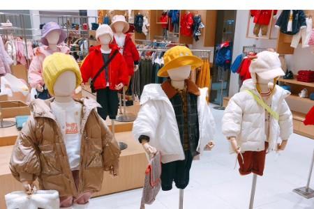 开店选择什么童装品牌加盟比较好?小糖果童装值得信赖