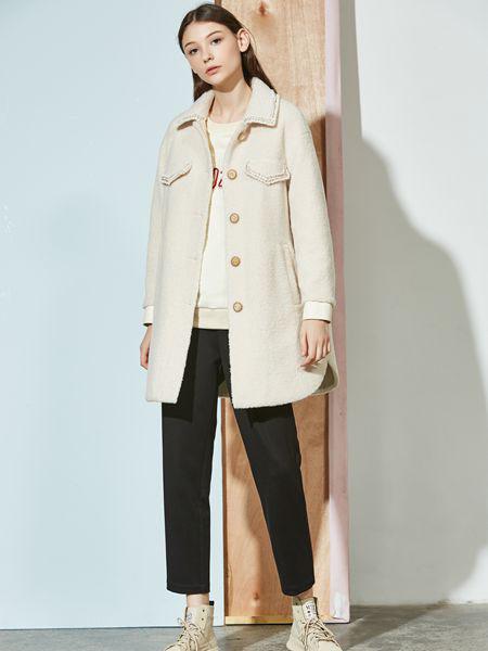 柏宇度女装品牌2020秋冬白色外套
