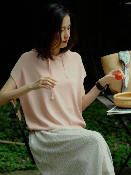那禾NAHE女装品牌2020春夏短袖卫衣