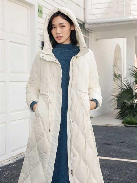 因为女装品牌2020秋冬白色连帽羽绒服