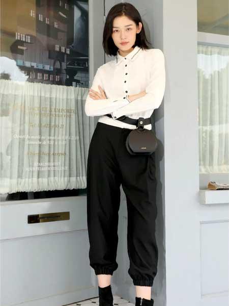 因为女装品牌2020秋冬白色系扣衬衫