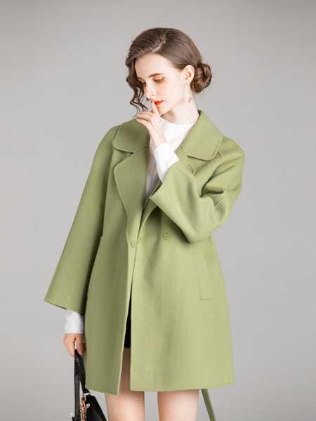 容悦女装品牌2020秋冬绿色大衣