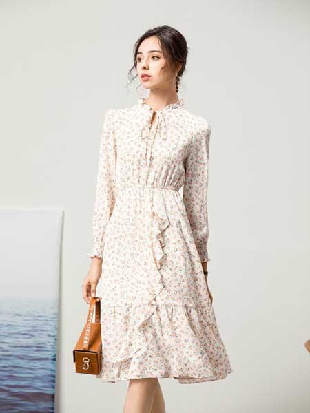容悦女装品牌2020秋冬斑点纹连衣裙