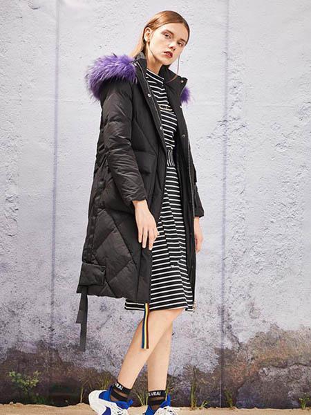 YOSUM衣诗漫女装品牌2020秋冬黑色羽绒外套