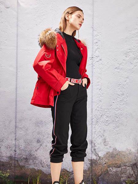 YOSUM衣诗漫女装品牌2020秋冬红色羽绒外套