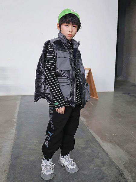 HohTot童装品牌2020秋冬黑色马甲