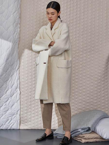 Rhema女装品牌2020秋冬毛绒白色大衣