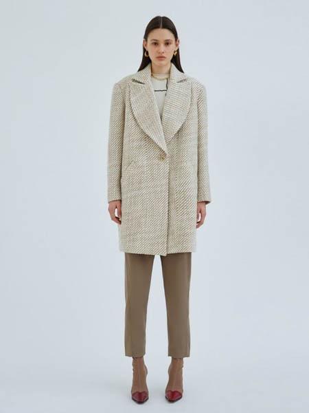 TY-LR/ C/MEO COLLECTIVE女装品牌2020秋冬米白色大衣