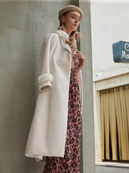 EJNK女装品牌2020秋冬白色毛绒长款大衣