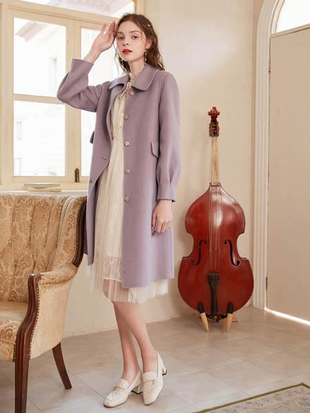 春美多女装品牌2020秋冬紫色大衣