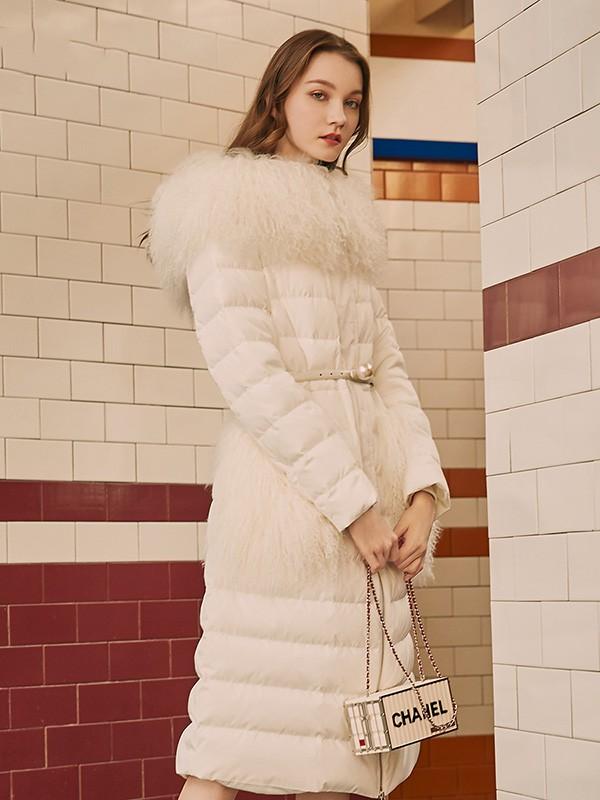 Coven Garden哥文花园女装品牌2020秋冬白色羽绒服