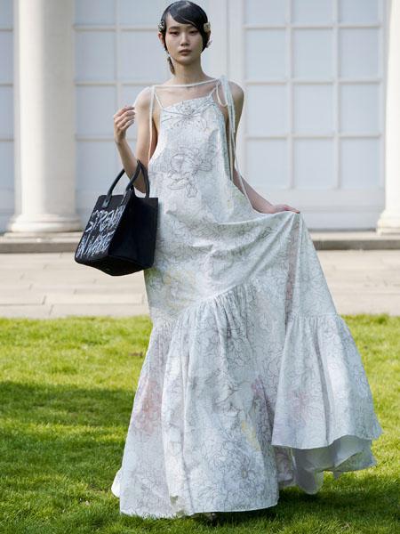 MITHRIDATE女装品牌2021春夏吊带露肩连衣裙