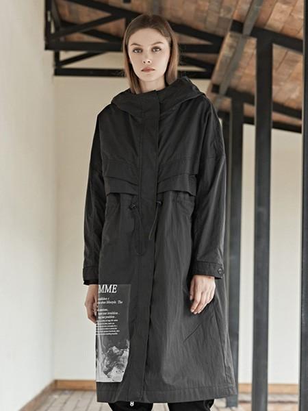 圣迪奧女裝品牌2020秋冬黑色長款大衣