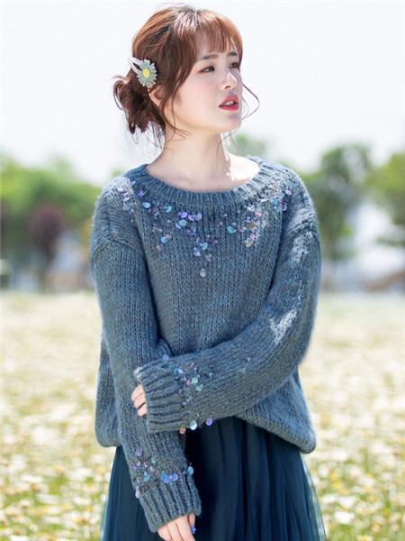 烟花烫女装品牌2020秋冬蓝色圆领长袖针织衫