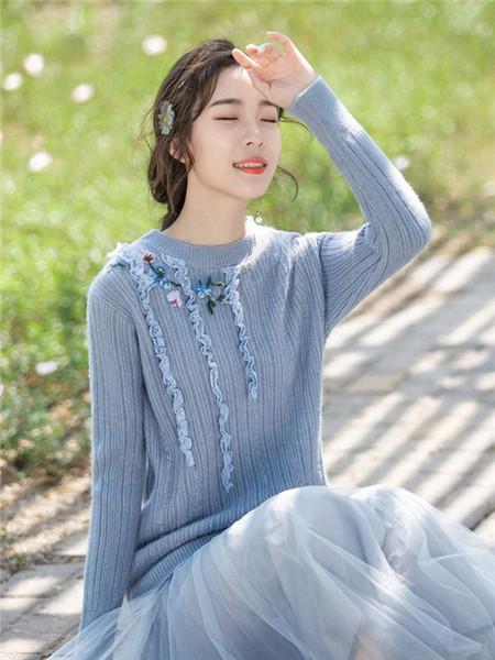 烟花烫女装品牌2020秋冬印花条纹蓝色针织衫