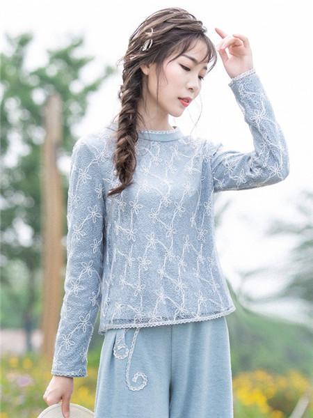 烟花烫女装品牌2020秋冬潮流浅蓝碎花针织衫