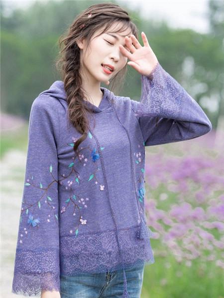 烟花烫女装品牌2020秋冬紫色花边连帽卫衣