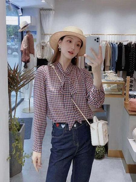 石库门女装品牌2020秋季蝴蝶结领格子纹衬衫
