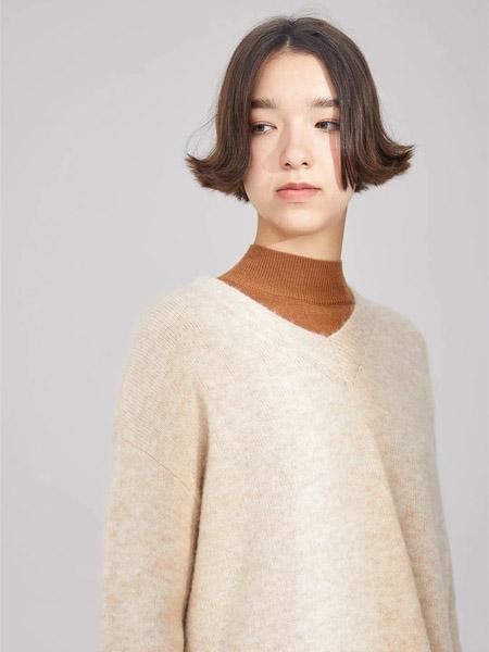 羽涵茜女装品牌2020秋冬驼色头套衫